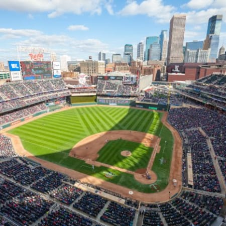 MINNESOTA TWINS | Plan Your Outing to Target Field